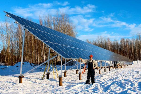 Fort Simpson grid tied solar electric system